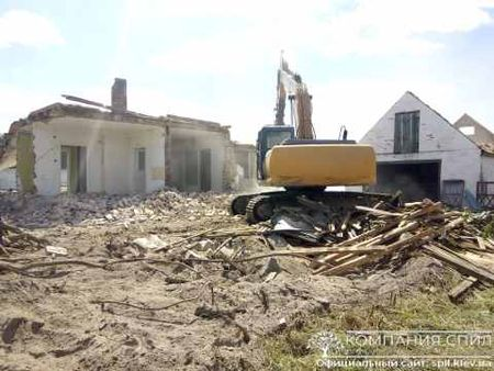 Демонтаж кирпичного дом